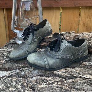Born Gray Leather Wingtip Oxford Shoe Velvet Laces